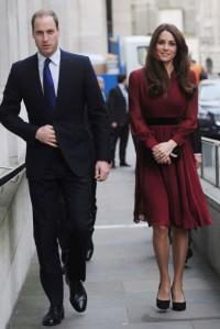 kate-middleton-prince-william-burgundy-dress-stylechi
