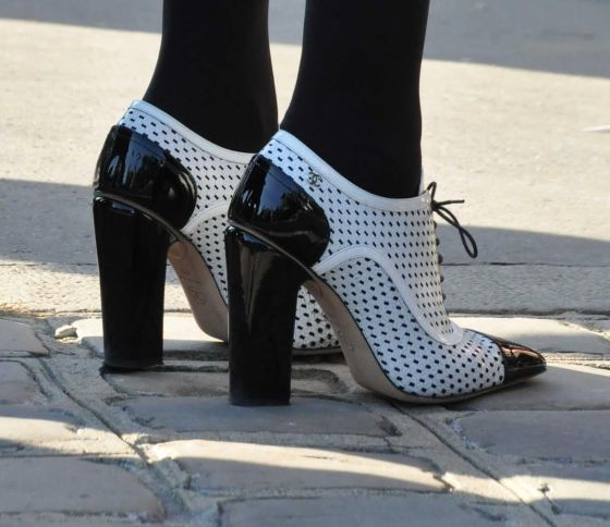 heels-black-and-white